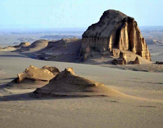 przyroda pustynia w Iranie