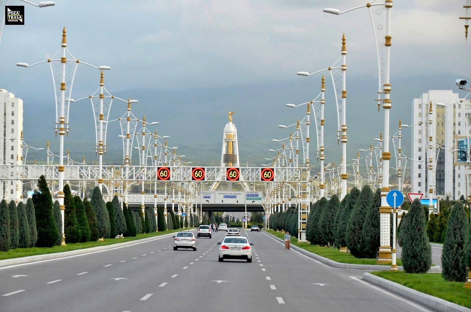 Turkmenistan fakty i ciekawostki.