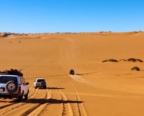 Sahara jeepem
