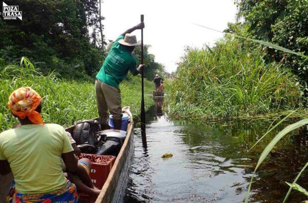 rejs rzeką Kongo piroga