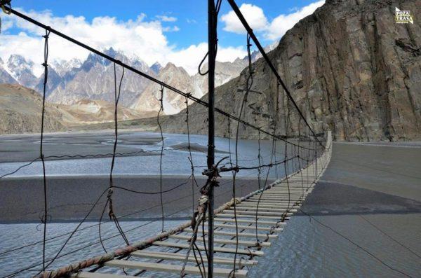 most wiszący Pakistan