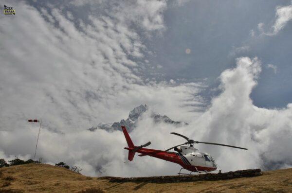 Nepal helikopterem