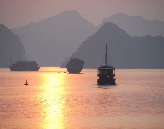 Ha Long zatoka