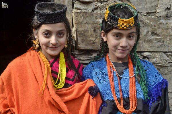 W wiosce Kalaszy Pakistan 2020