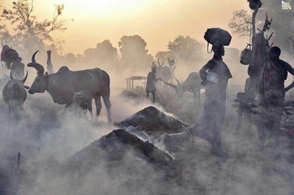 Magia świata Mundari Sudan Południowy 2021