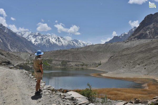 Jezioro Borith Pakistan maj 2021 Pakistan Karakorum Highway
