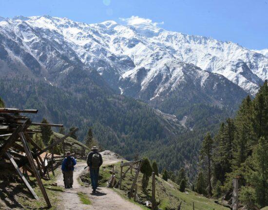 Pakistan SELF-DRIVE Karakorum Highway Fairy Meadows Pakistan maj 2021