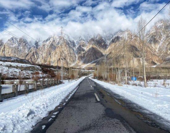 Pakistan Zima Karakorum Highway